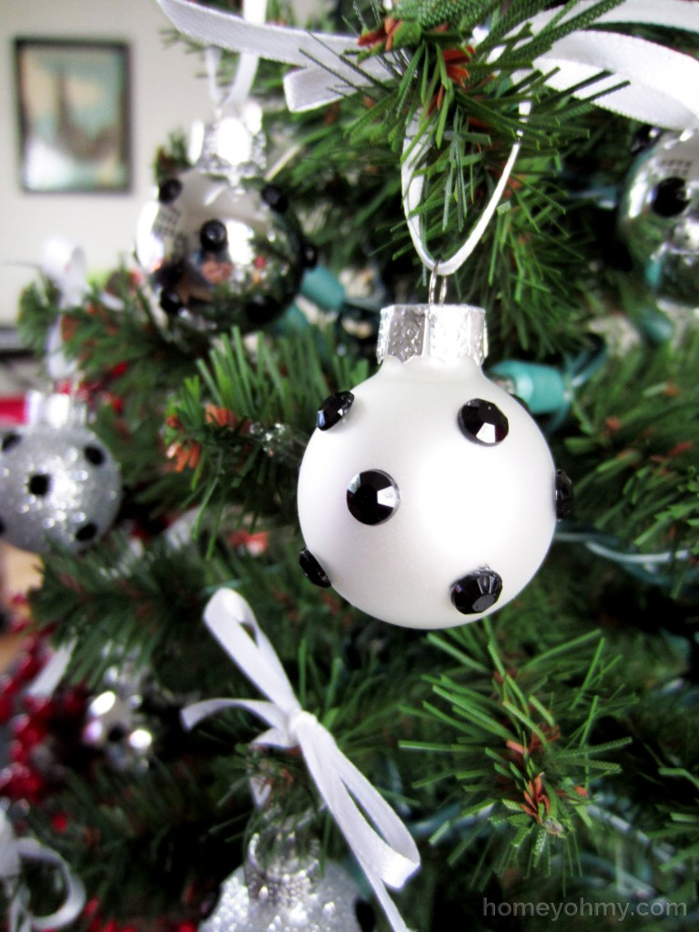 Polka dot christmas ornaments - Diy Rhinestone Polka Dot Ornaments