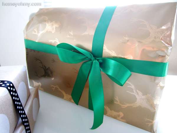 Gold deer gift wrapping