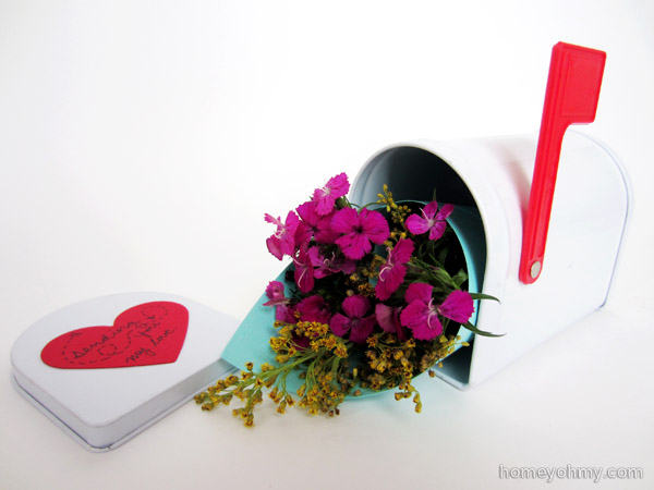 Mini mail box with flowers