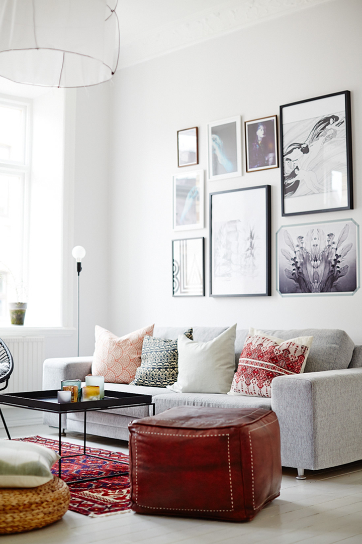 Scandinavian Living Room: Decorating With Red