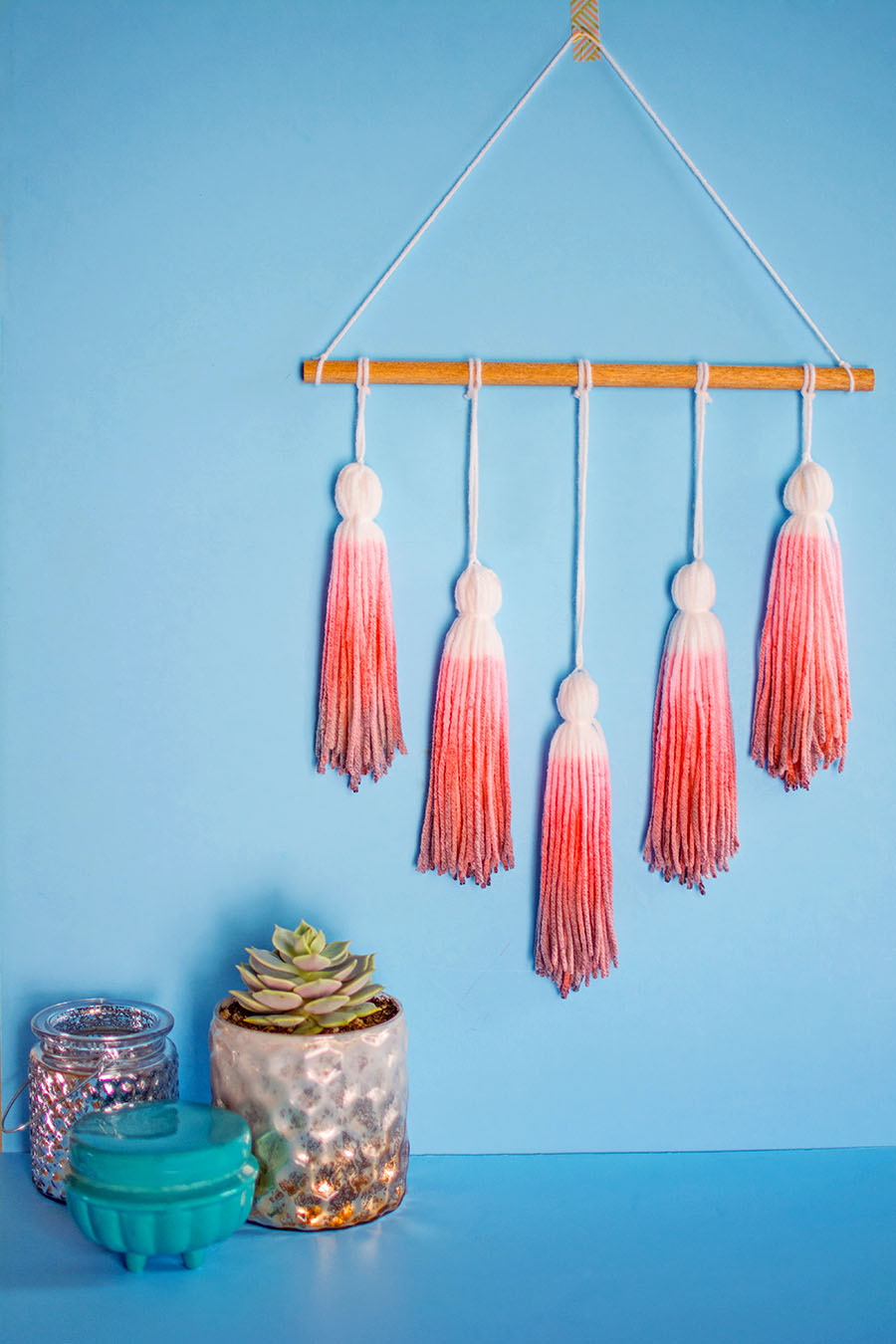 diy dip dye yarn tassel wall hanging post at pbteen homey oh my