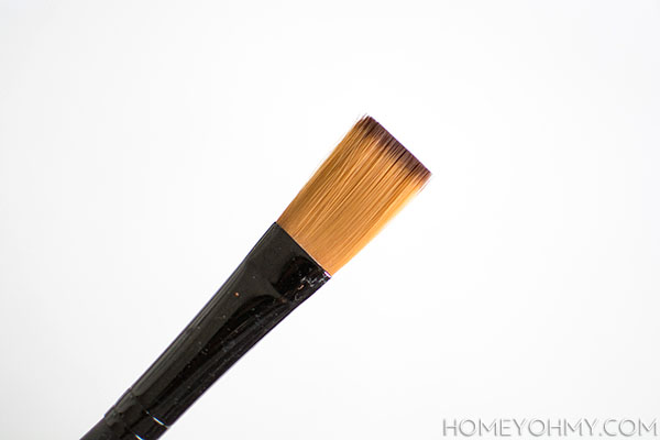 Flat head paintbrush