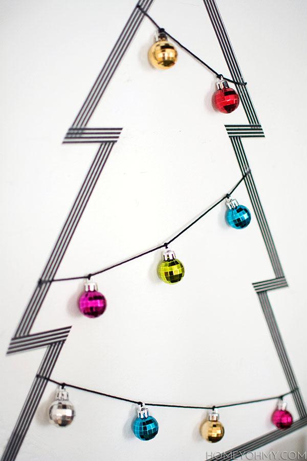 6 schöne Weihnachtsbaum Alternativen: Weihnachtsbaum aus Washi Tape