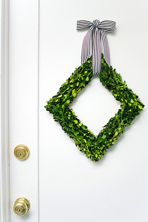 Diamond Boxwood Wreath-2