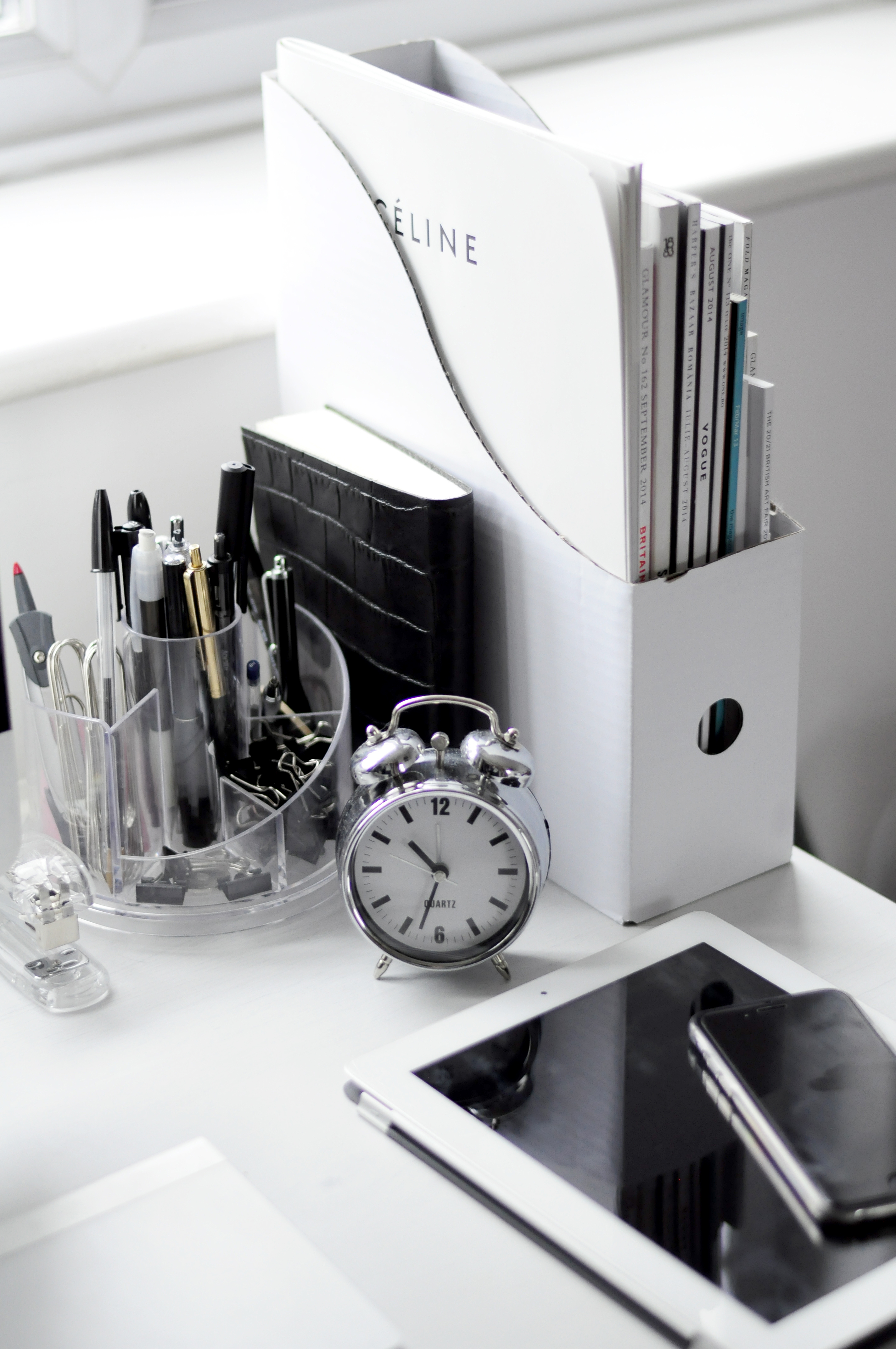 Black and White Workspaces - Homey Oh My