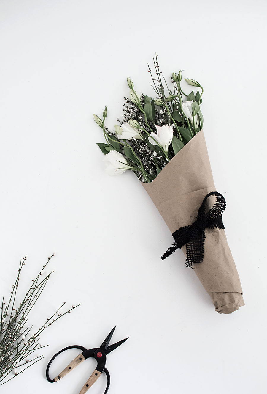 3 easy ways to wrap flowers homey oh my craft paper with burlap loop string wrap mightylinksfo