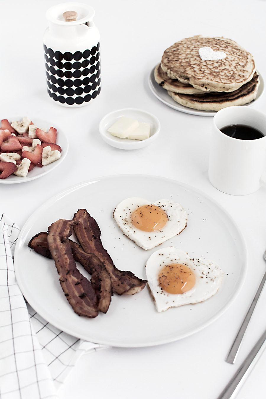 heart-shaped-breakfast-1-2