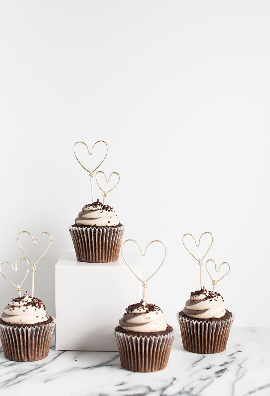 DIY - Gold Wire Heart Cupcake Toppers