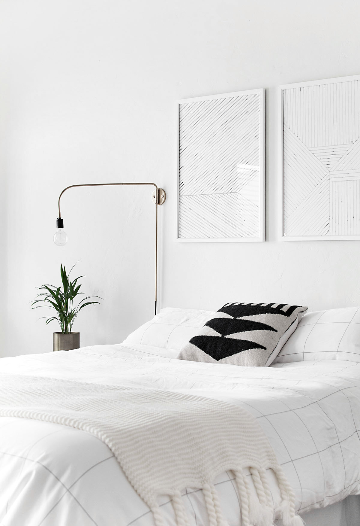 How to achieve a minimal scandinavian bedroom for Minimalist living bedroom