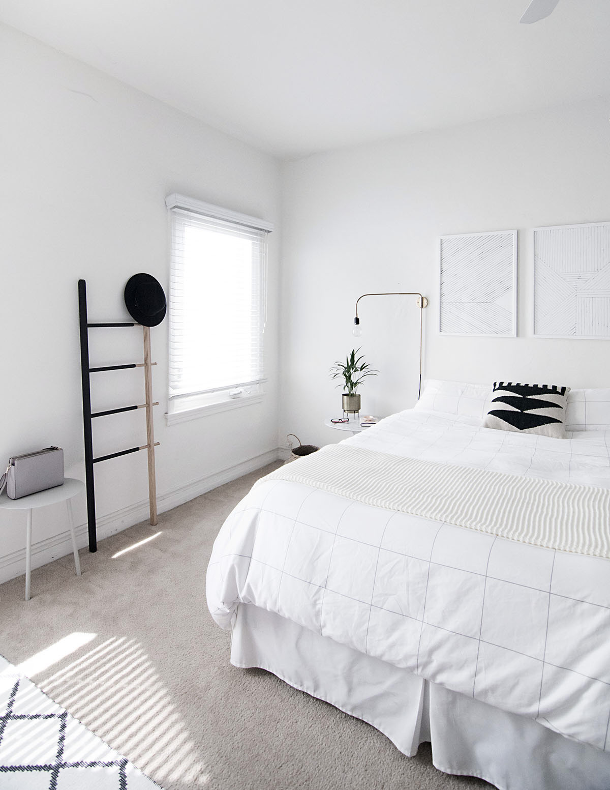 How to achieve a minimal scandinavian bedroom for Small room minimal design