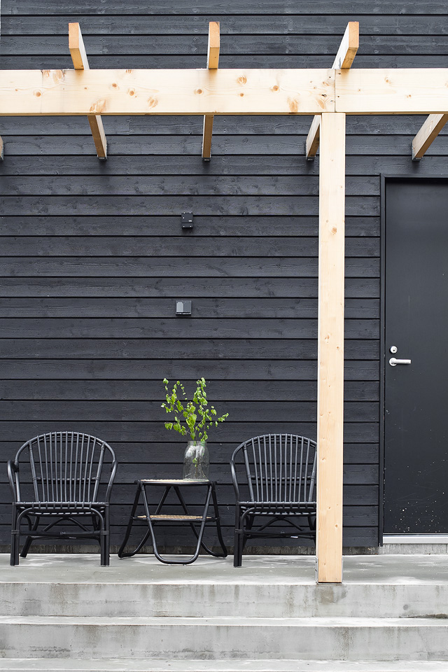 black-house-patio