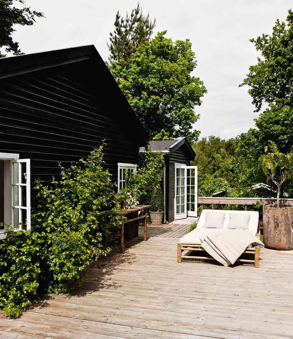 black-summer-cottage