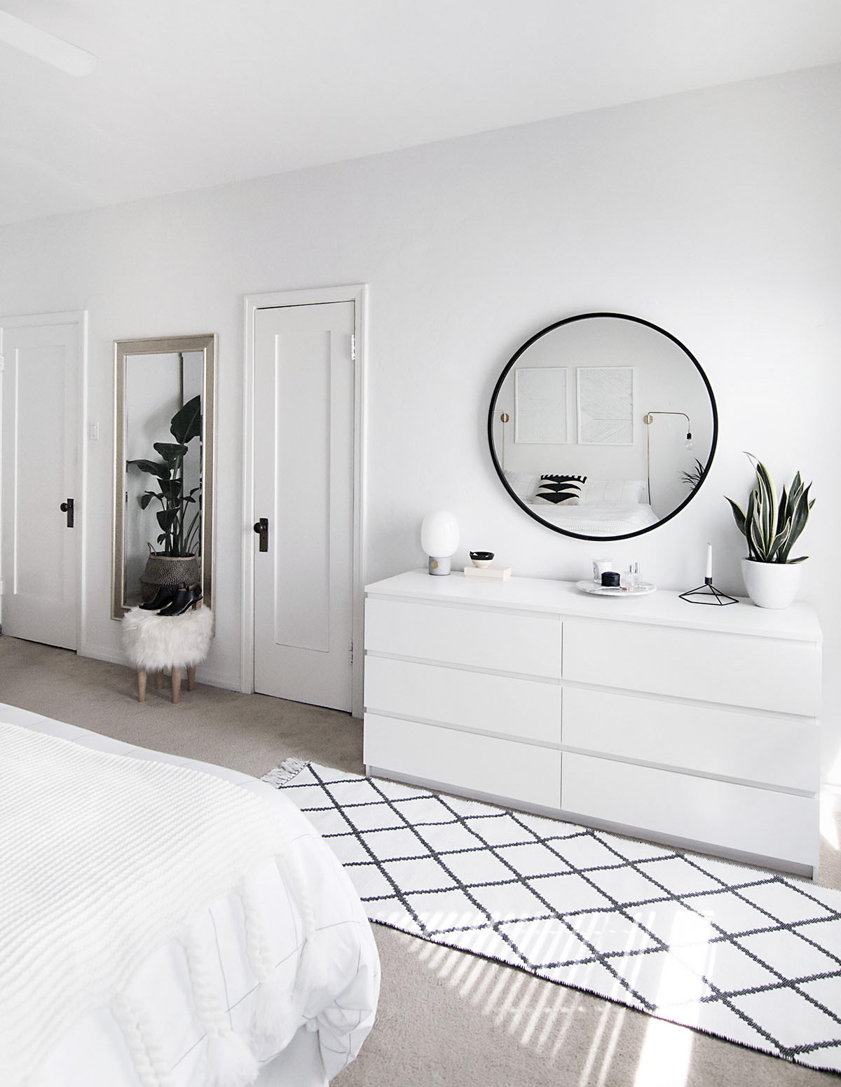 minimal-white-bedroom-2