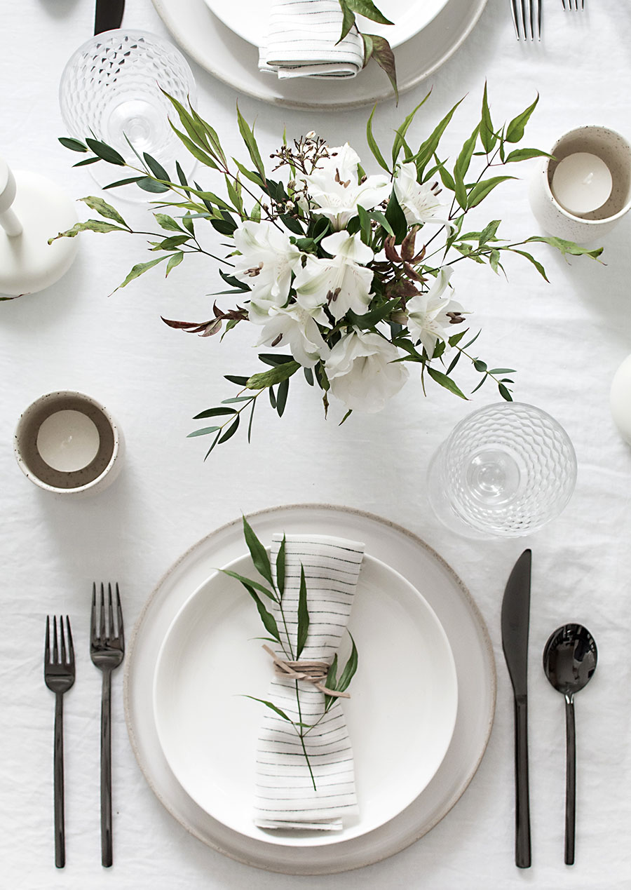 simple-minimal-place-setting