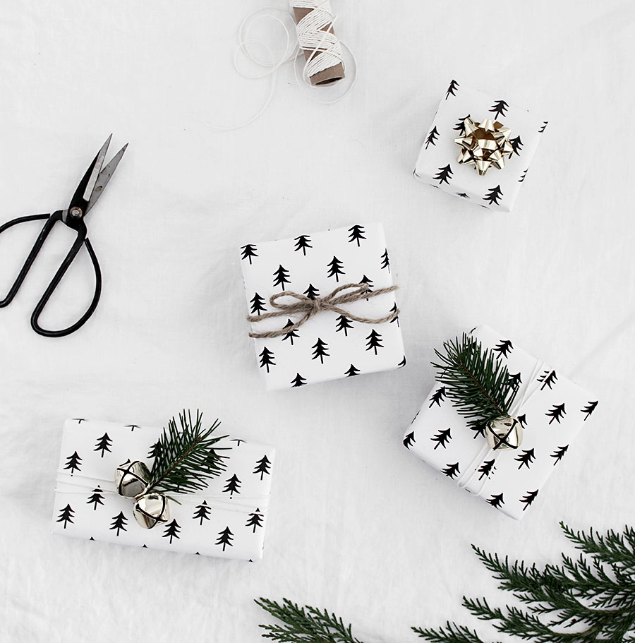 christmas-tree-wrapping-paper-free-printable