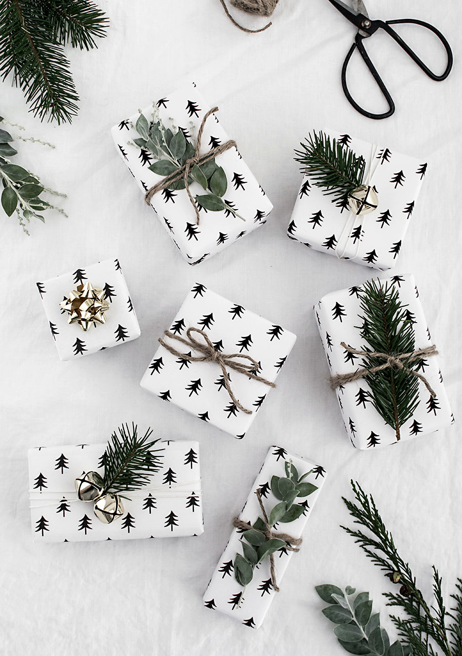 free-printable-christmas-tree-wrapping-paper