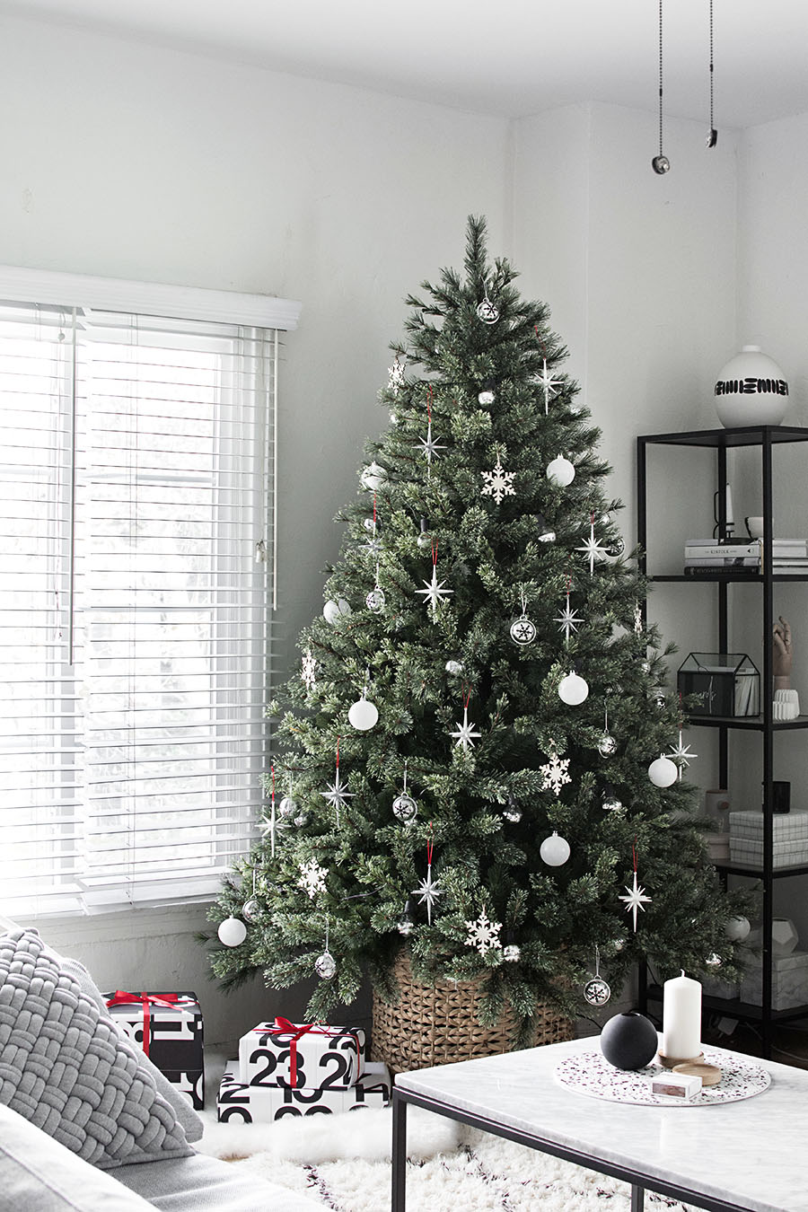 Modern minimal christmas tree homey oh my - Modern christmas tree ideas ...