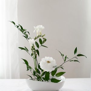 How to Make a Basic Ikebana Floral Arrangement