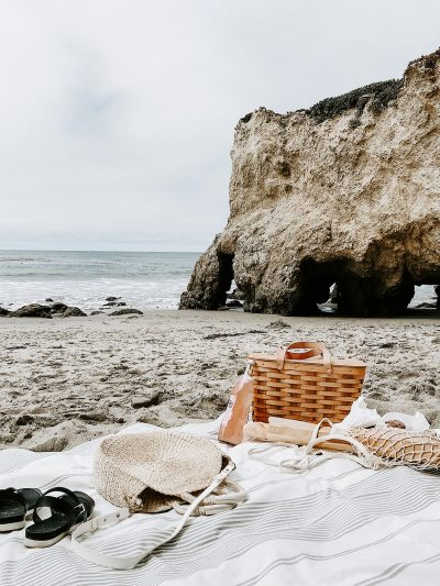 Tips + What to Pack for a Beach Picnic