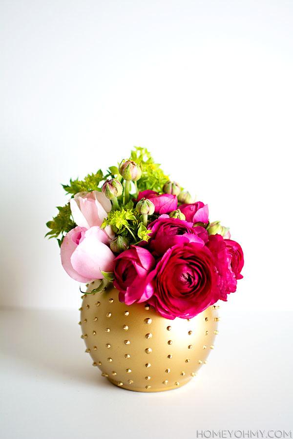 DIY Beaded Vase and Flower Arrangement