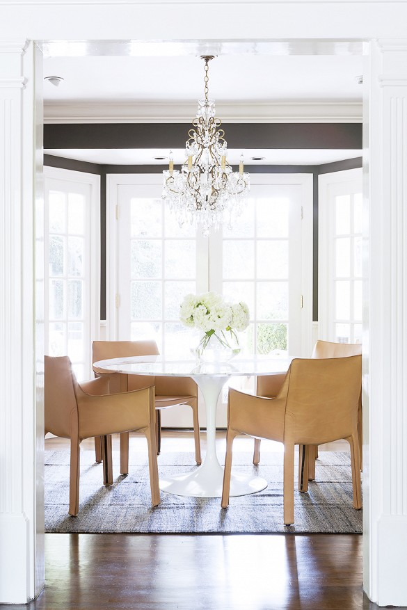 Tulip table and leather chairs