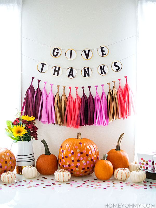 Friendsgiving party decor