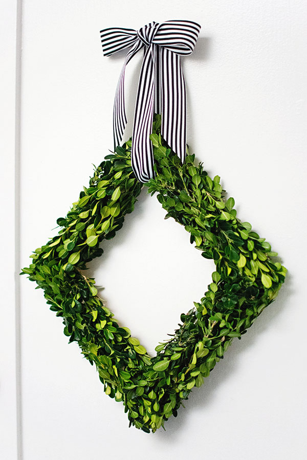 DIY Diamond Boxwood Wreath
