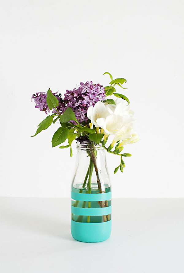 Striped vase DIY