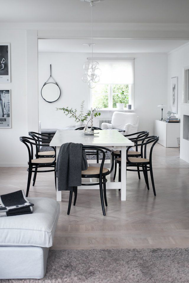 thonet chairs in black