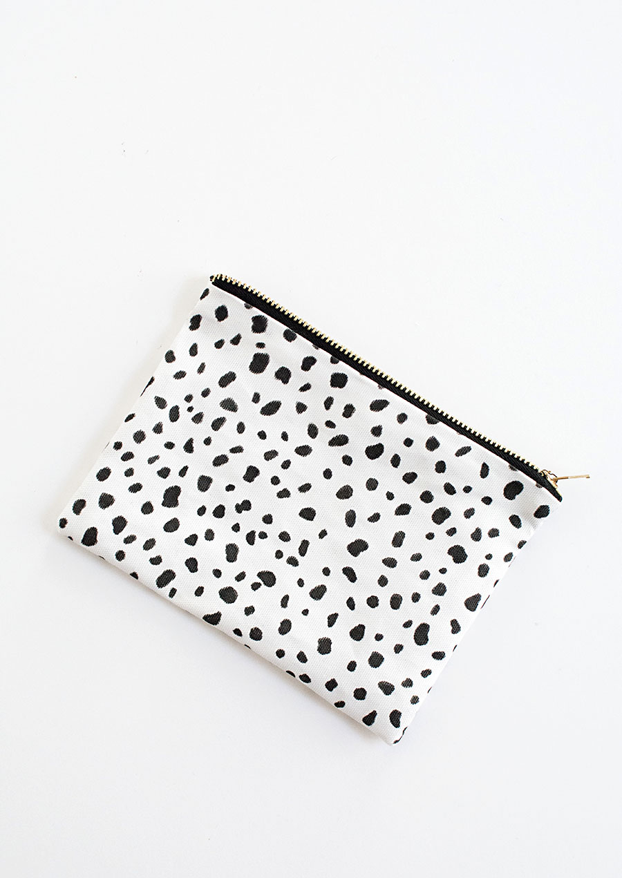 DIY- No-Sew Zipper Pouch