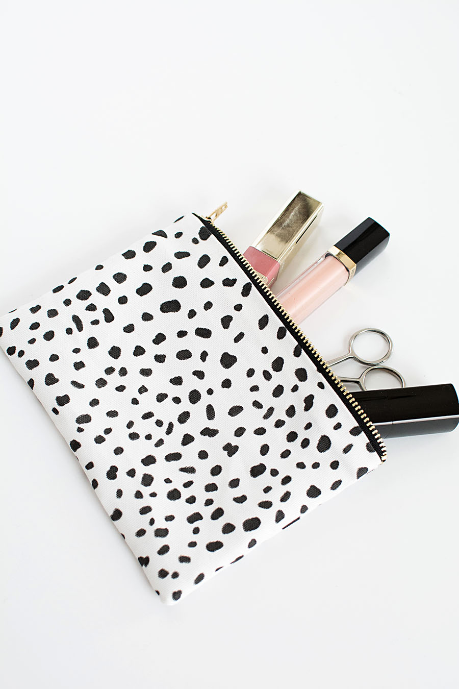 DIY no sew zipper pouch