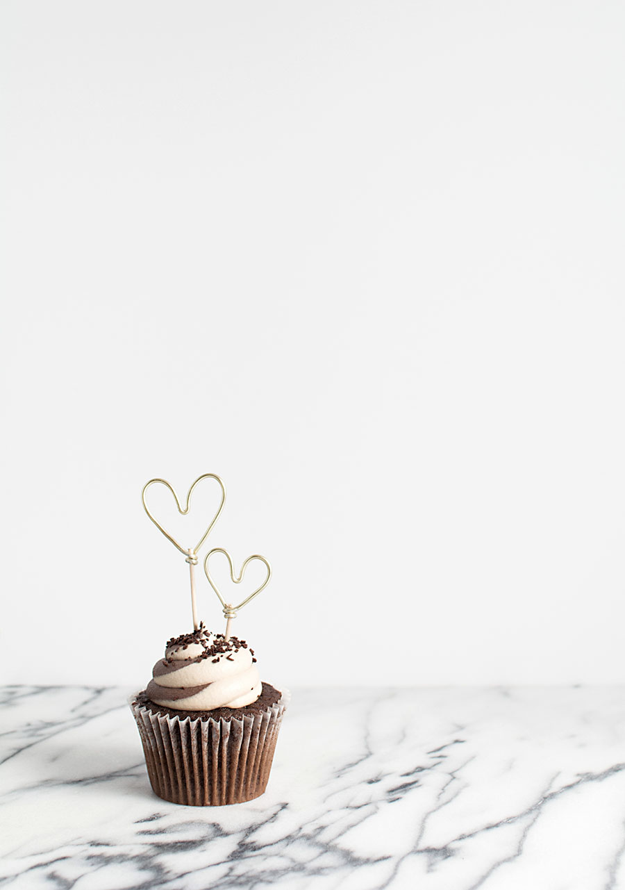 DIY-Gold Heart Cupcake Toppers