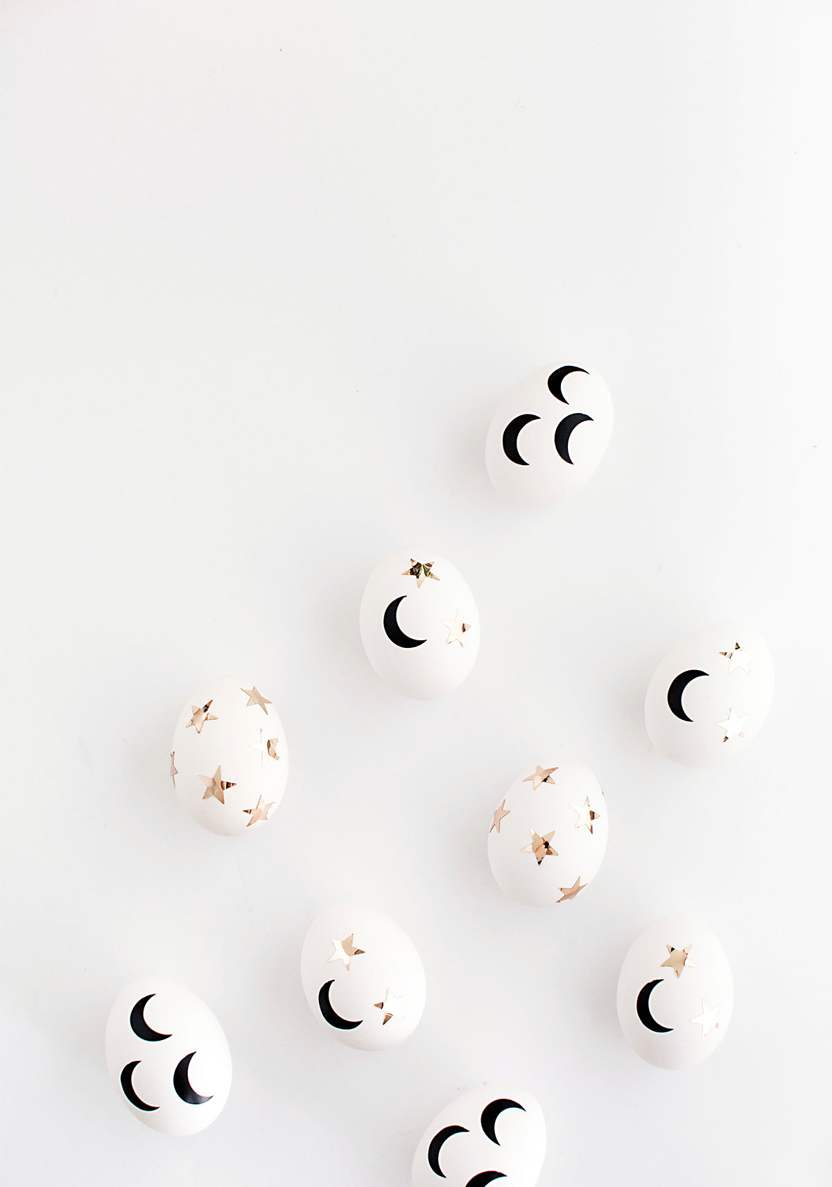 Stars and crescent moons Easter eggs DIY