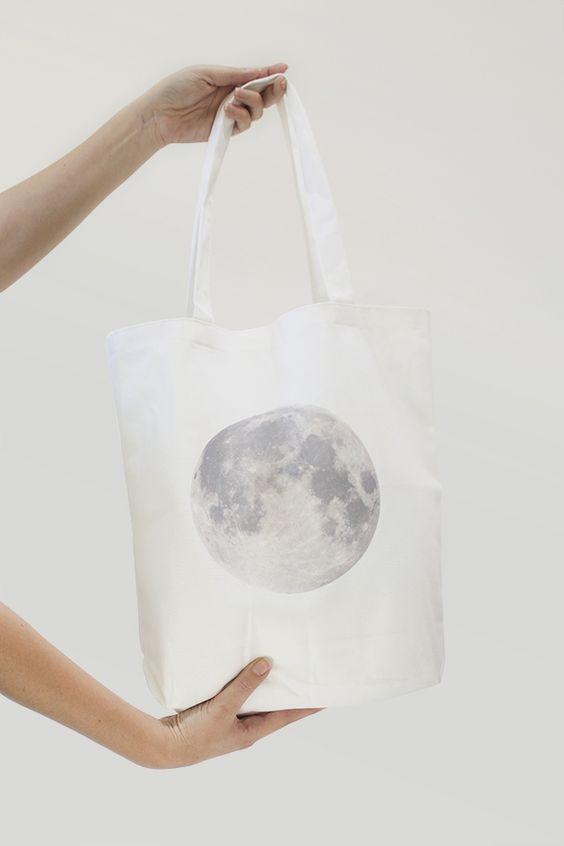 moon tote