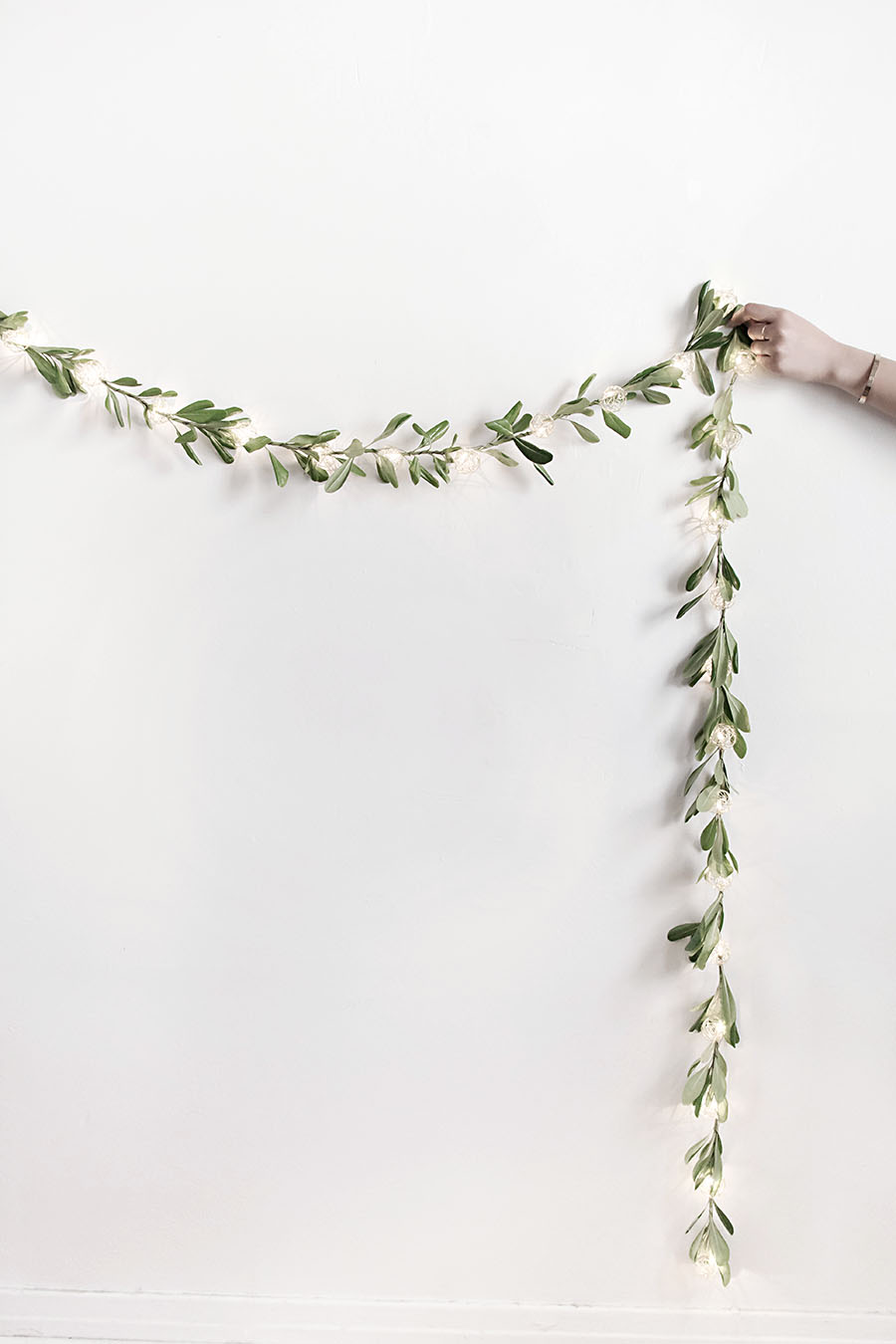 DIY- string light garland
