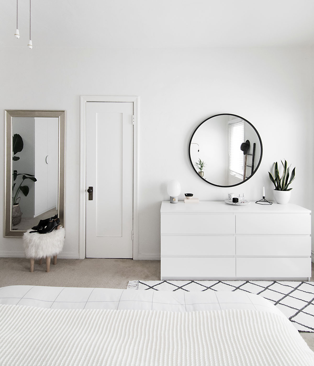 How to Achieve a Minimal Scandinavian Bedroom - Homey Oh My on Minimalist Bedroom  id=16191