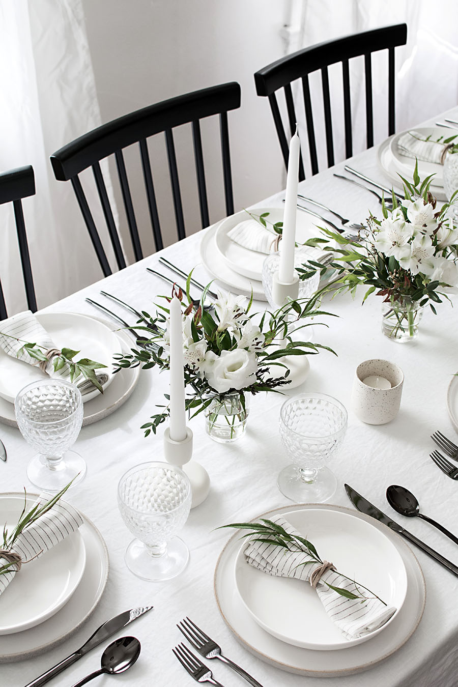 11 Simple Thanksgiving Table Decor Ideas