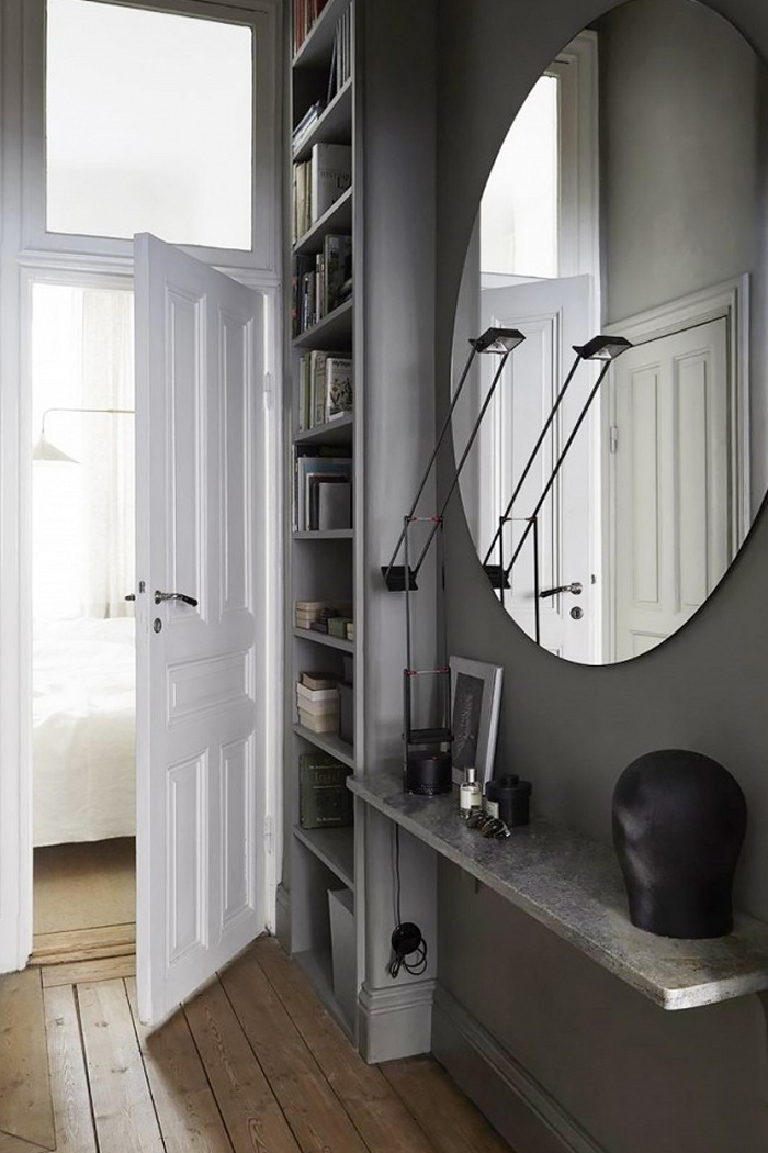 moody-entryway