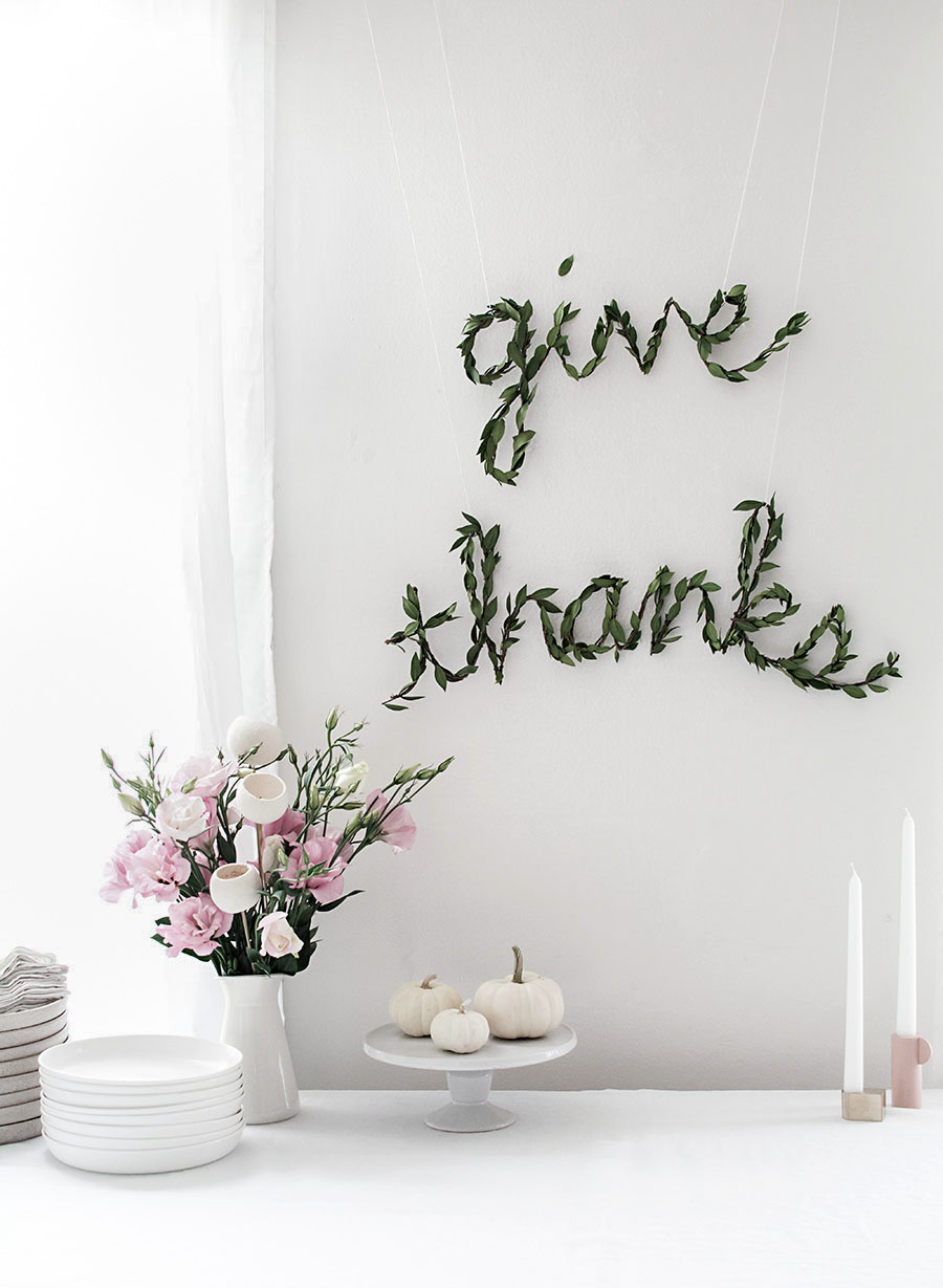 DIY Thanksgiving Greenery Garland