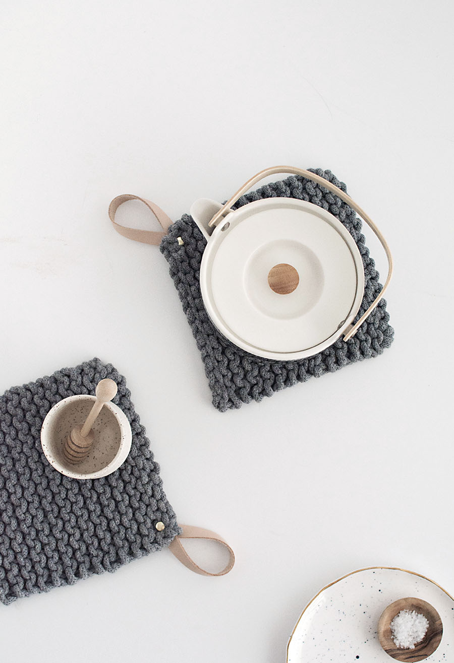 knit-potholders-diy