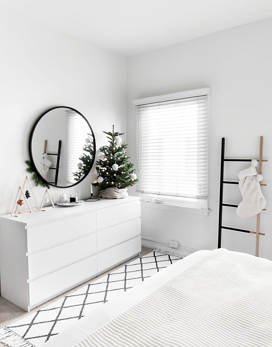 Christmas in the Bedroom Homey Oh My